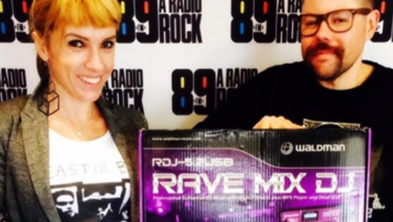 89FM e Waldman no dia do DJ